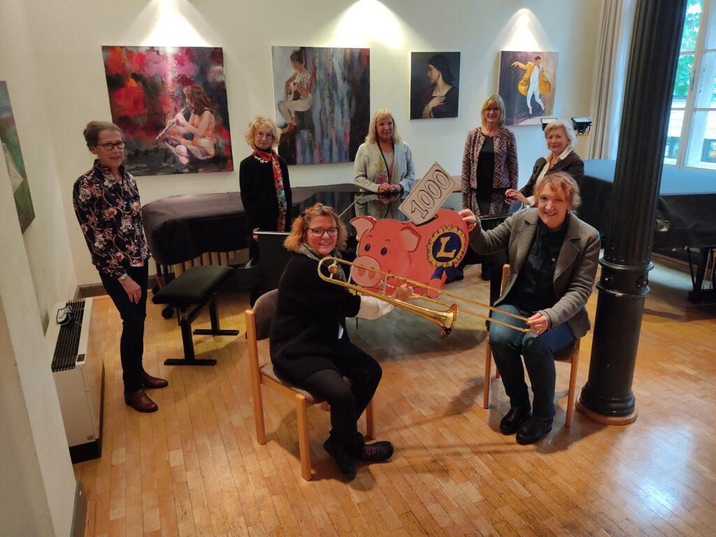 Spendenübergabe Lions Club Lüdenscheid Minerva an den Förderverein der Musikschule der Stadt Lüdenscheid